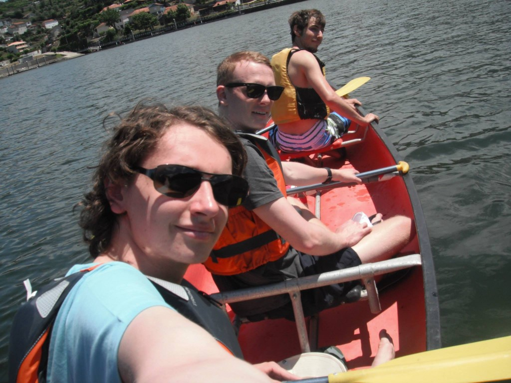 Canoeing on the Douro! It has been 3 years since I last took the canoe out on the river - I was missing that!