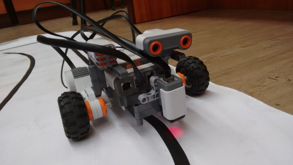 The robot that was built by the students. This year they were a bit more ambitious and they placed an ultrasound sensor for the robot to stop once it found an obstacle in its path!